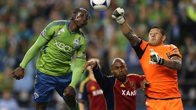 Goalkeeper Nick Rimando of Real Salt Lake punches away a shot by Jhon Kennedy Hurtado of the Seattle Sounders in the MLS play-offs (AFP)