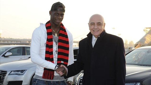 Mario Balotelli joins AC Milan