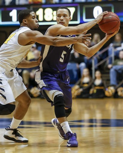 Harris leads West Virginia past TCU 71-50