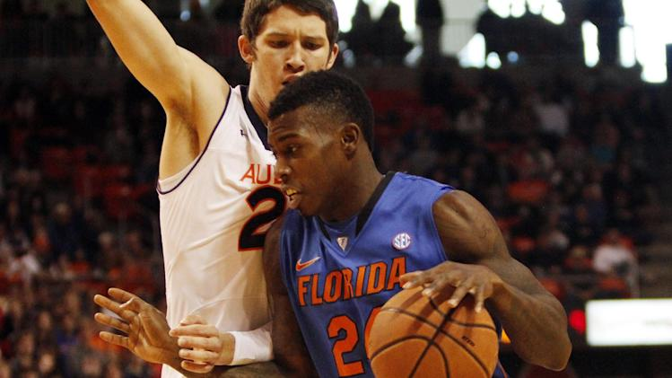 No. 7 Florida survives 68-61 scare against Auburn