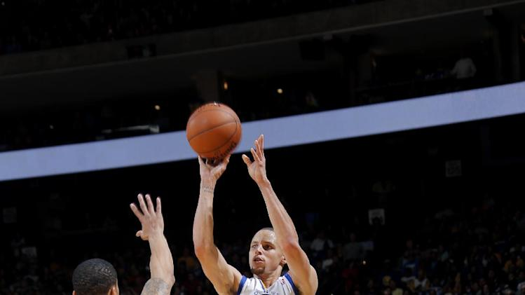 Curry leads Warriors past Grizzlies 100-93