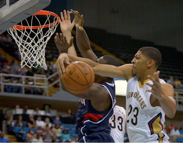 Pelicans exercise options on Davis, Rivers