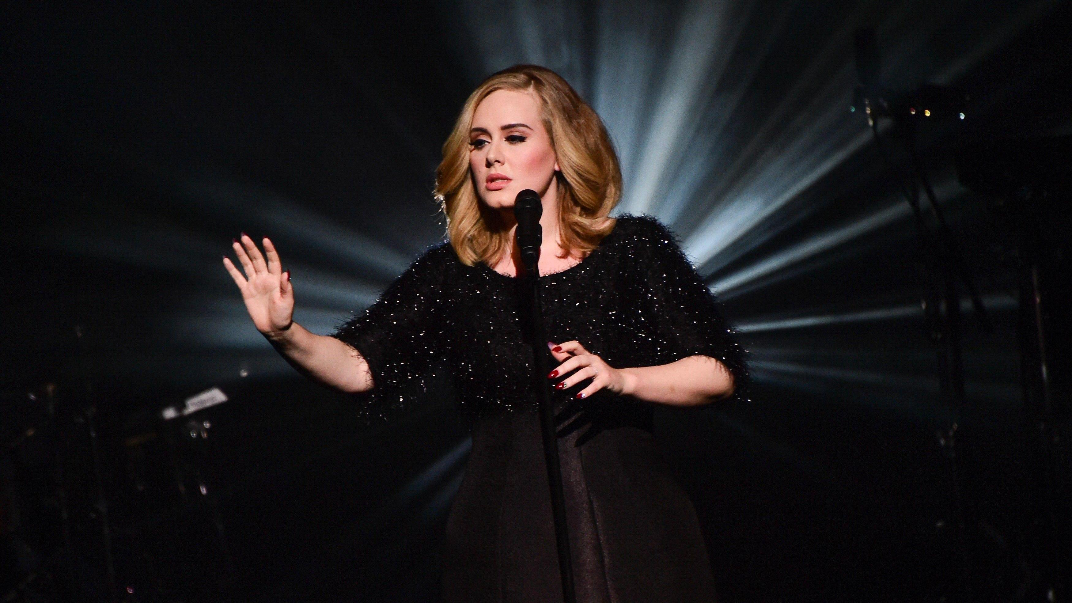 Adele Breaks Single-Week U.S. Album Sales Record in Four Days