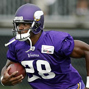 Bridgewater says Adrian Peterson should stay