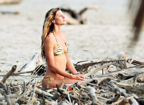 PIC: Gisele Bundchen Meditates on Beach in String Bikini