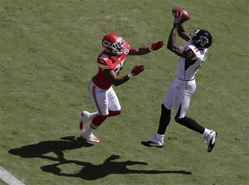 Ryan with 4 TDs as Falcons beat Chiefs 40-24