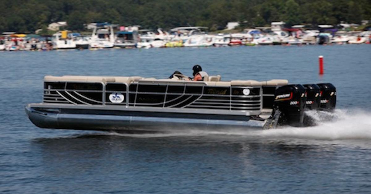 The 8 Fastest Boats Ever