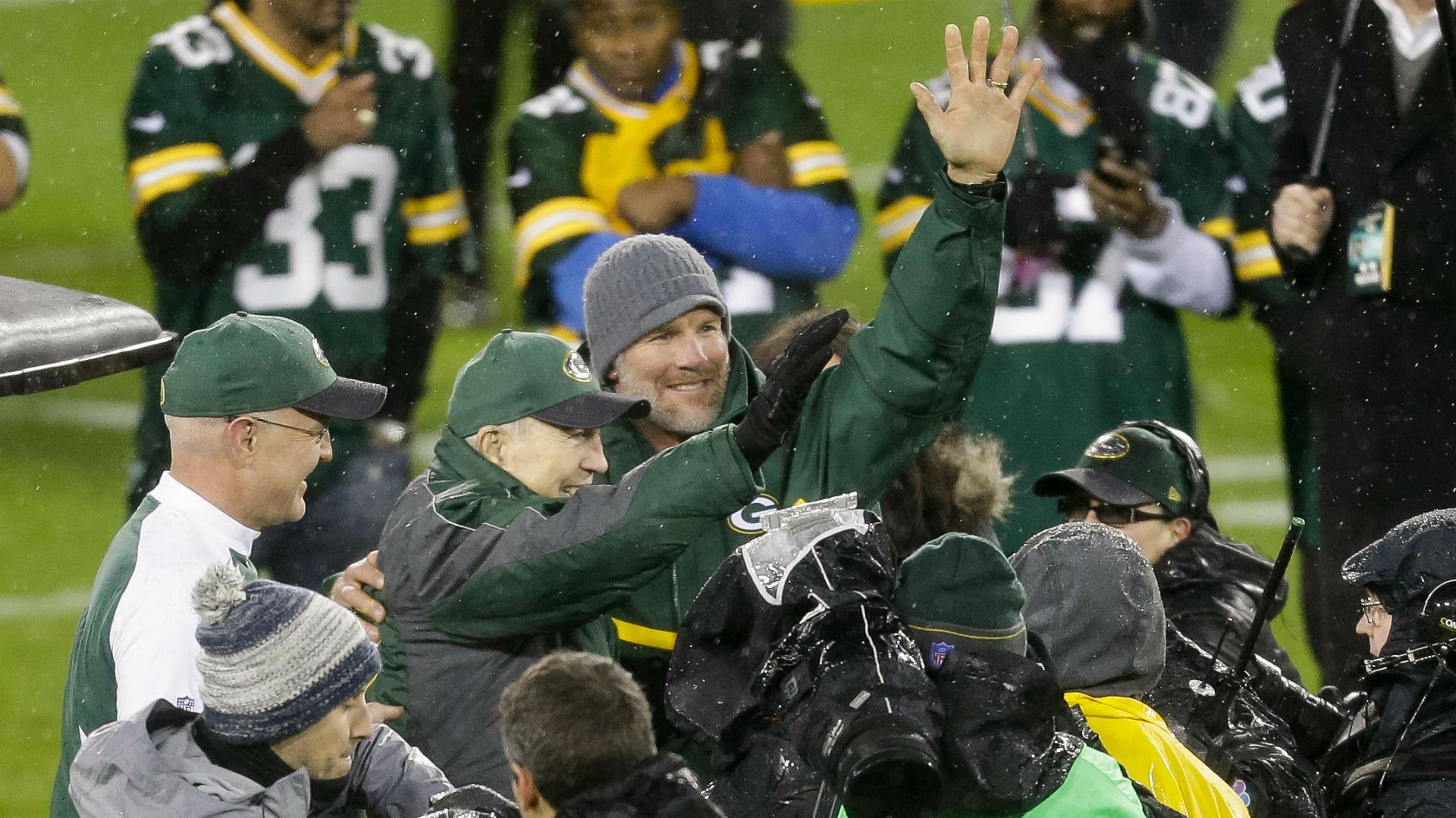 Packers throw Brett Favre 'welcome home' party, retire No. 4 jersey