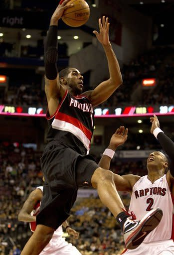 Aldridge has 30-20 night as Blazers beat Raptors