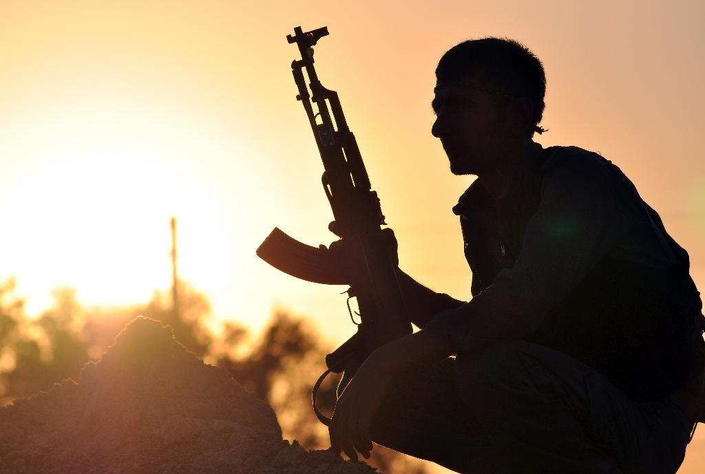 US soldiers in Syria to back anti-IS Kurds: Kurdish sources