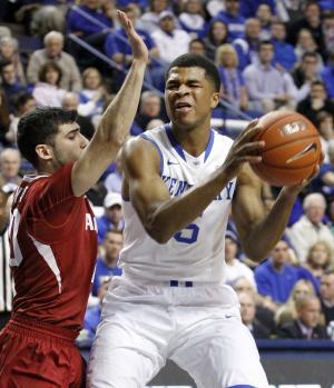Arkansas beats No. 17 Kentucky 71-67 in OT