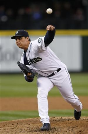 Mariners score late to beat Tigers 2-1