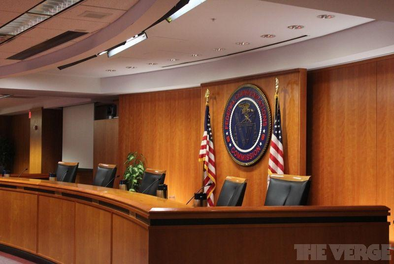 Tennessee sues FCC to stop expansion of municipal broadband