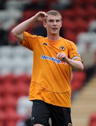 Wolves striker Sam Winnall has gone on loan to Shrewsbury