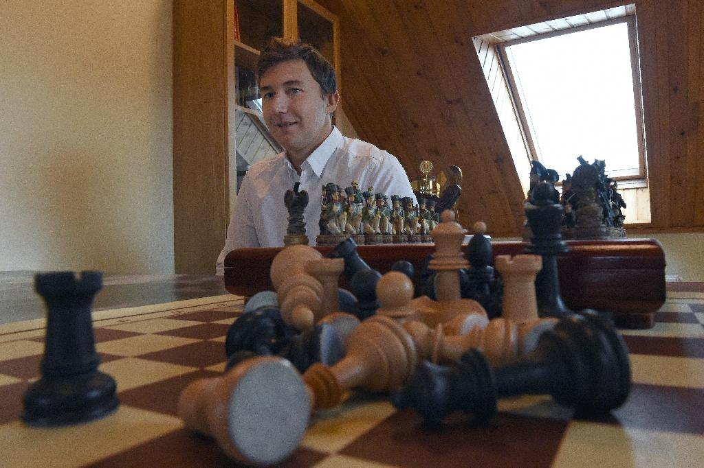 Russian grandmaster aims to dethrone chess king Carlsen