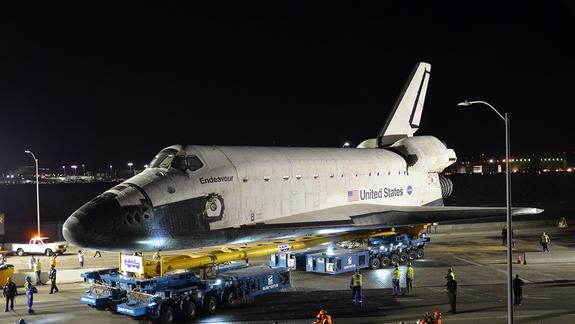 Space Shuttle Endeavour Embarks on L.A. Road Trip