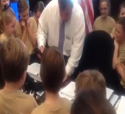 NJ Governor Saves Children From Spider