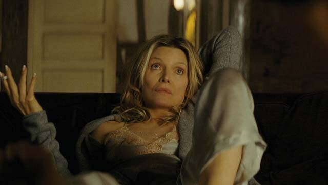 'The Family' Featurette: Michelle Pfeiffer