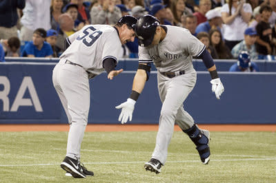 Yankees 6, Blue Jays 3: Capuano earns his first win as a Yankee