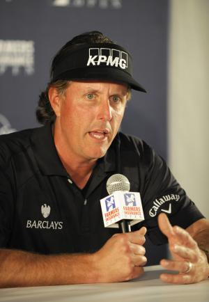 Mickelson sorry for public airing of tax issues
