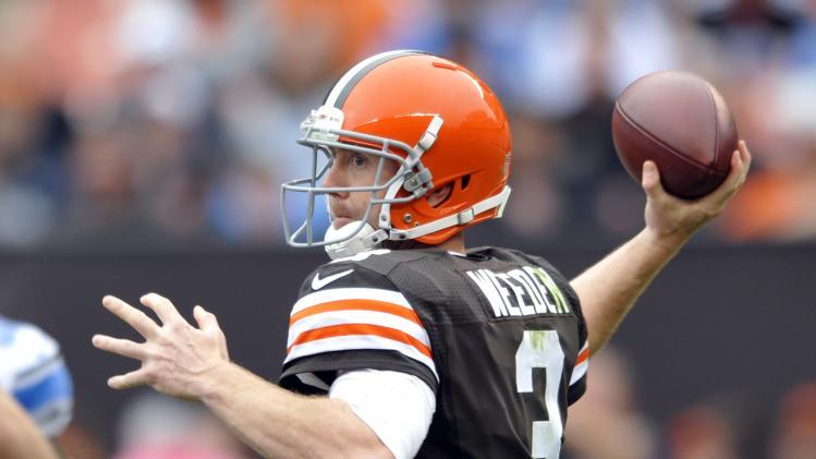 Browns QB Brandon Weeden blocking out critics