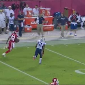 Kansas City Chiefs quarterback Alex Smith feathers 33-yard pass to wide receiver Dwayne Bowe