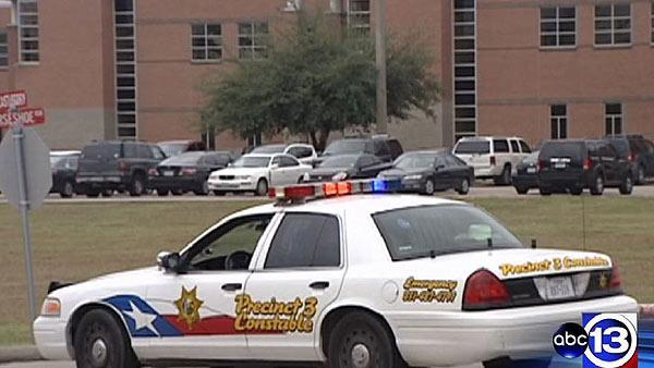 Student shoots himself while in patrol car