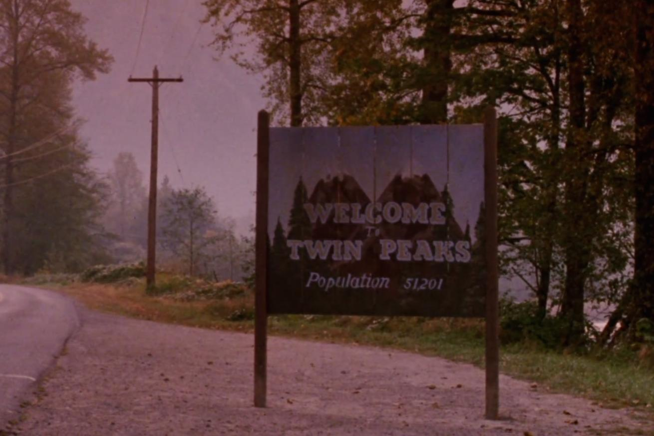 Showtime's new Twin Peaks promo is a stroboscopic dance party