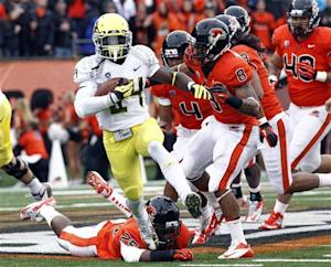 Ducks rebound with 48-24 win over Beavers