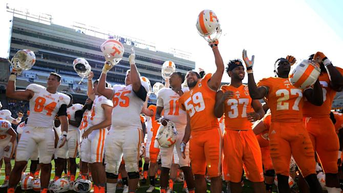 Malone scores 3 TDs in Orange & White Game