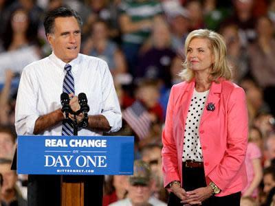 Romney sprinting to finish in key states