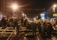 Protesters gather near barricades at Independence Square in Kiev December 2, 2013. REUTERS/Gleb Garanich
