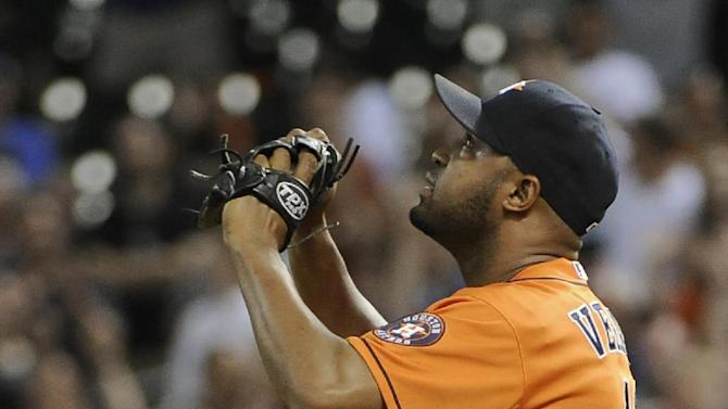 Bedard helps Astros to 2-1 win over White Sox