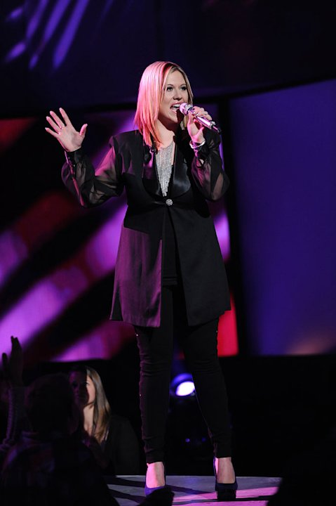 "Erika Van Pelt performs ""What About Love"" by Heart on ""American Idol."""