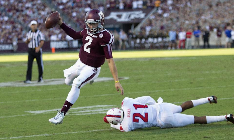 Arkansas hopes to slow Manziel, Texas A&M offense