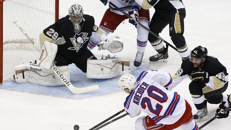Rangers fend off elimination, top Penguins 5-1