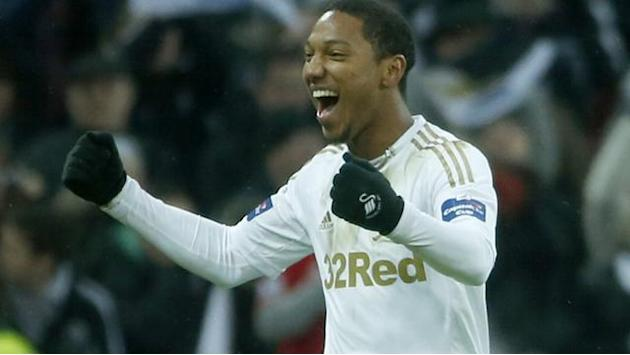 Premier League - De Guzman out of opener