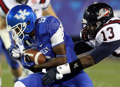Kentucky rolls over Samford 34-3