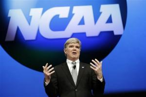 Emmert gets vote of confidence from NCAA