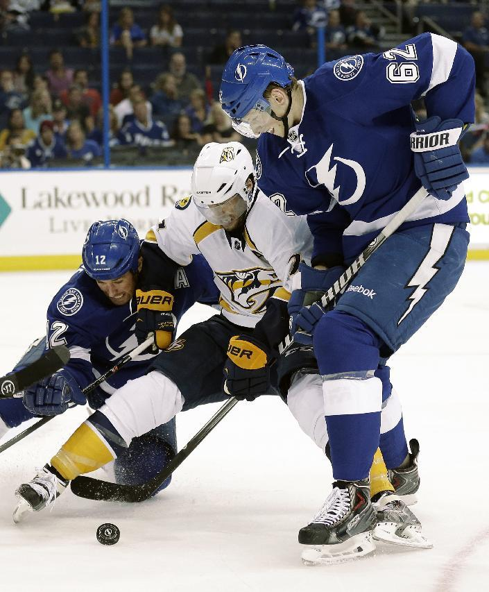 Connolly helps Lightning beat Predators 5-1