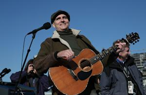 James Taylor Plans Year Off to Make New Album