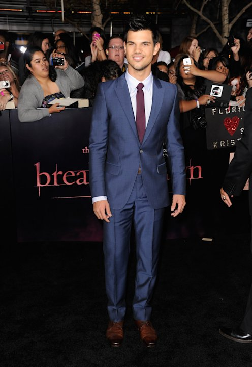 "Premiere Of Summit Entertainment's ""The Twilight Saga: Breaking Dawn - Part 1"" - Arrivals"