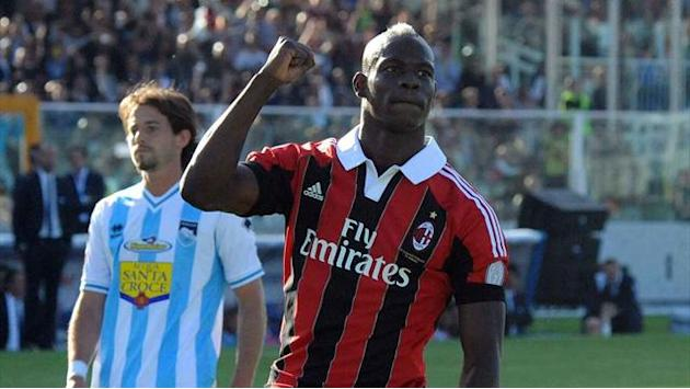 Serie A - Balotelli hits double as Milan thump Pescara