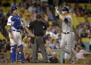 Forsythe, Grandal lead Padres over Dodgers in 11