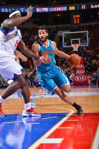 Vasquez, Gordon lead Hornets past 76ers