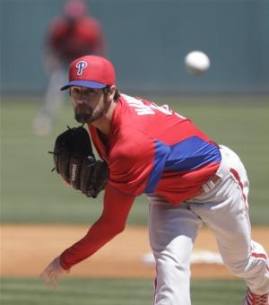 Verlander, Hamels tune up, Phillies beat Tigers