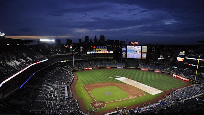 Freeman's homer in 9th lifts Braves over Mets 2-1