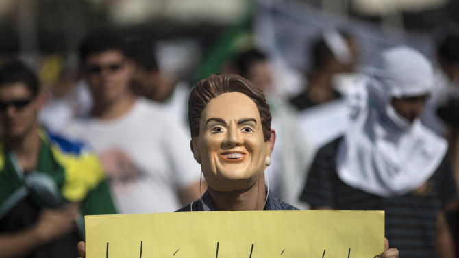 Brazil protesters give Rousseff tenuous truce
