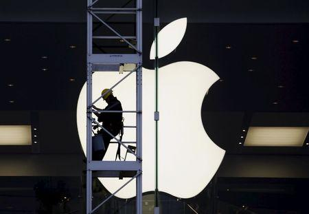 Apple 'own worst enemy,' U.S. antitrust monitor says in report