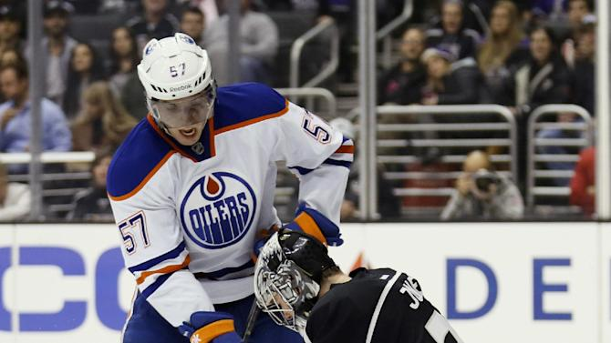 Kings rookie Martin Jones blanks Oilers 3-0